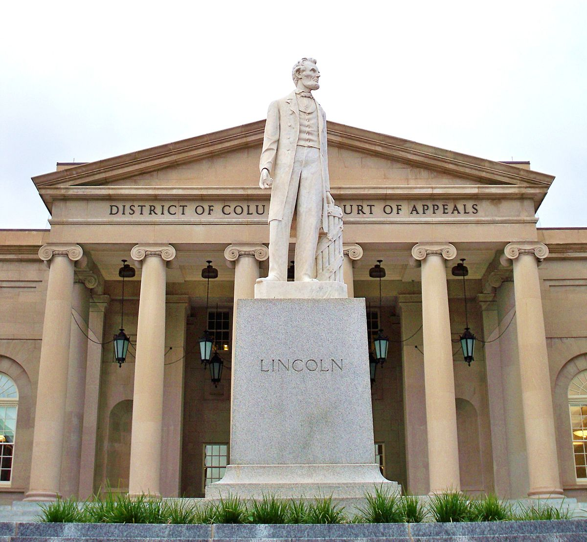54 Abraham Lincoln Statue and Monuments 5