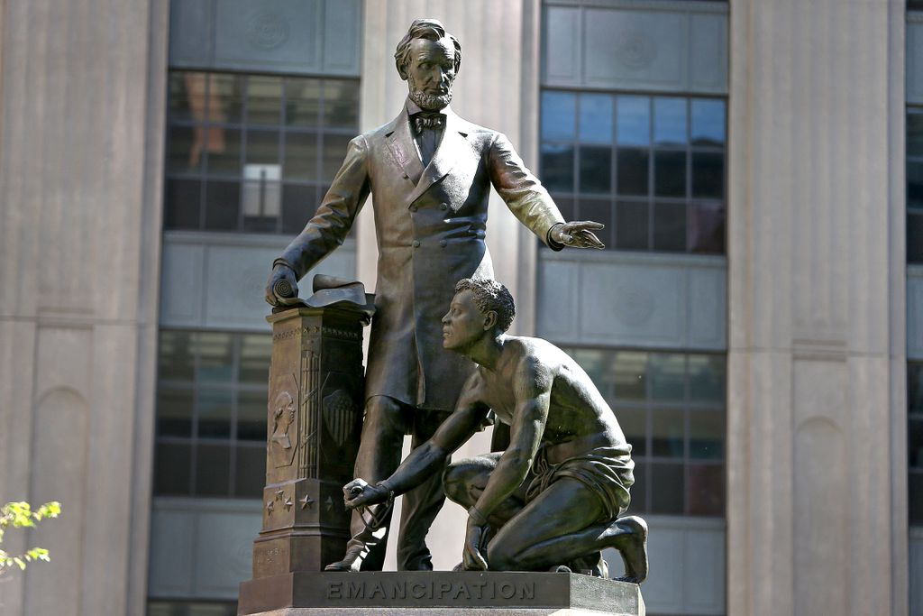 56 Abraham Lincoln Statue and Monuments 2