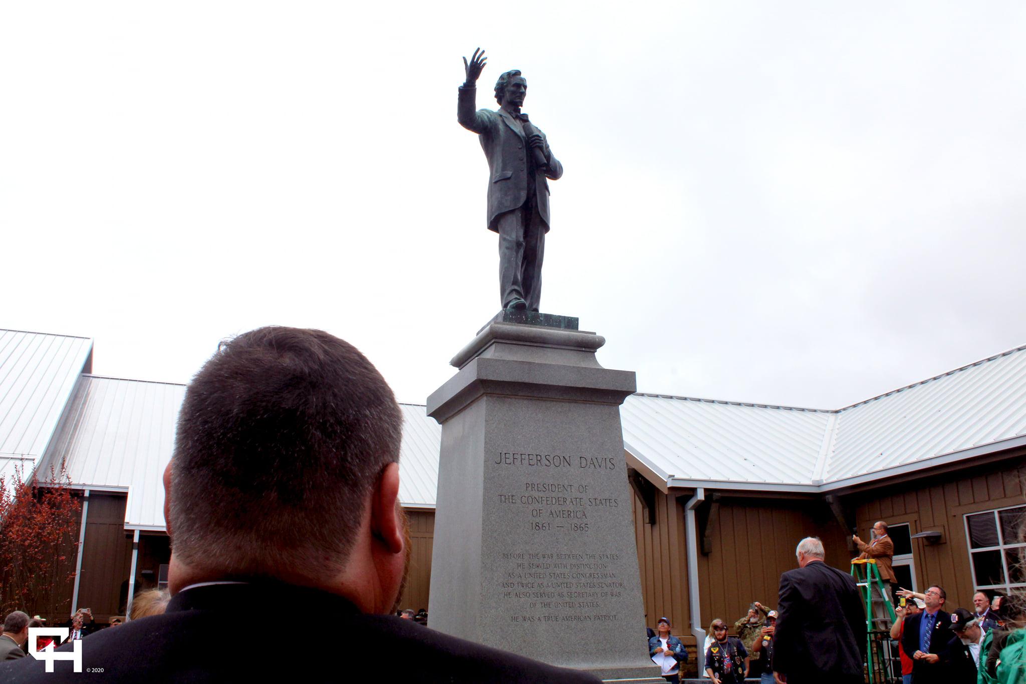 President Davis Statue Monument