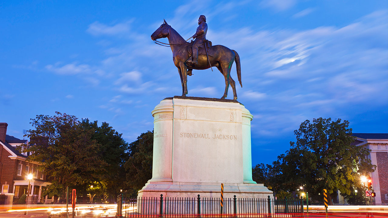 63 Stonewall-Jackson-monument