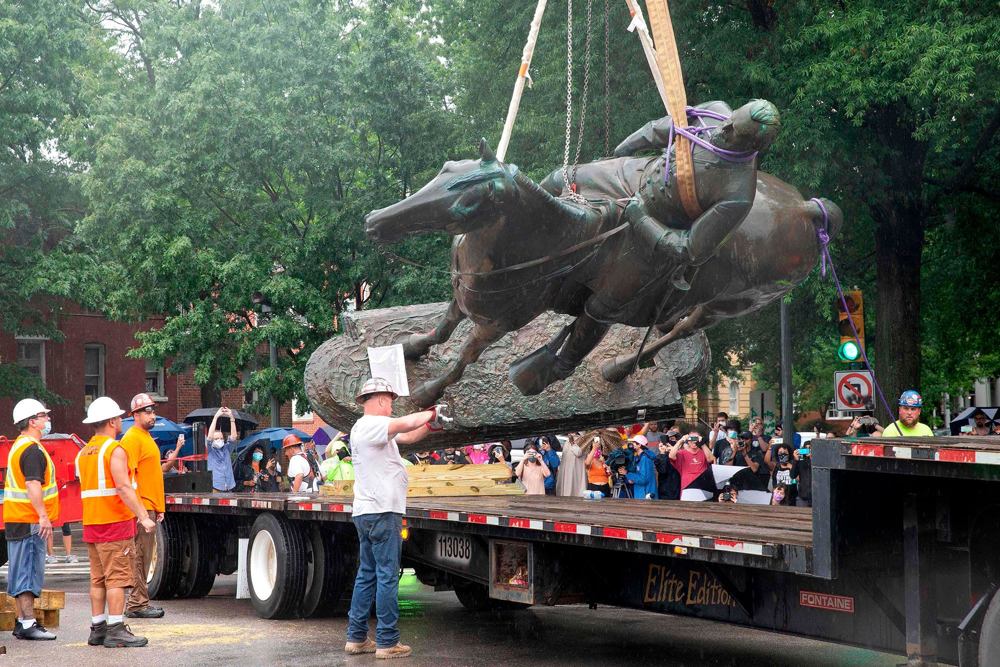 76 General Stonewall Jackson Statue removal