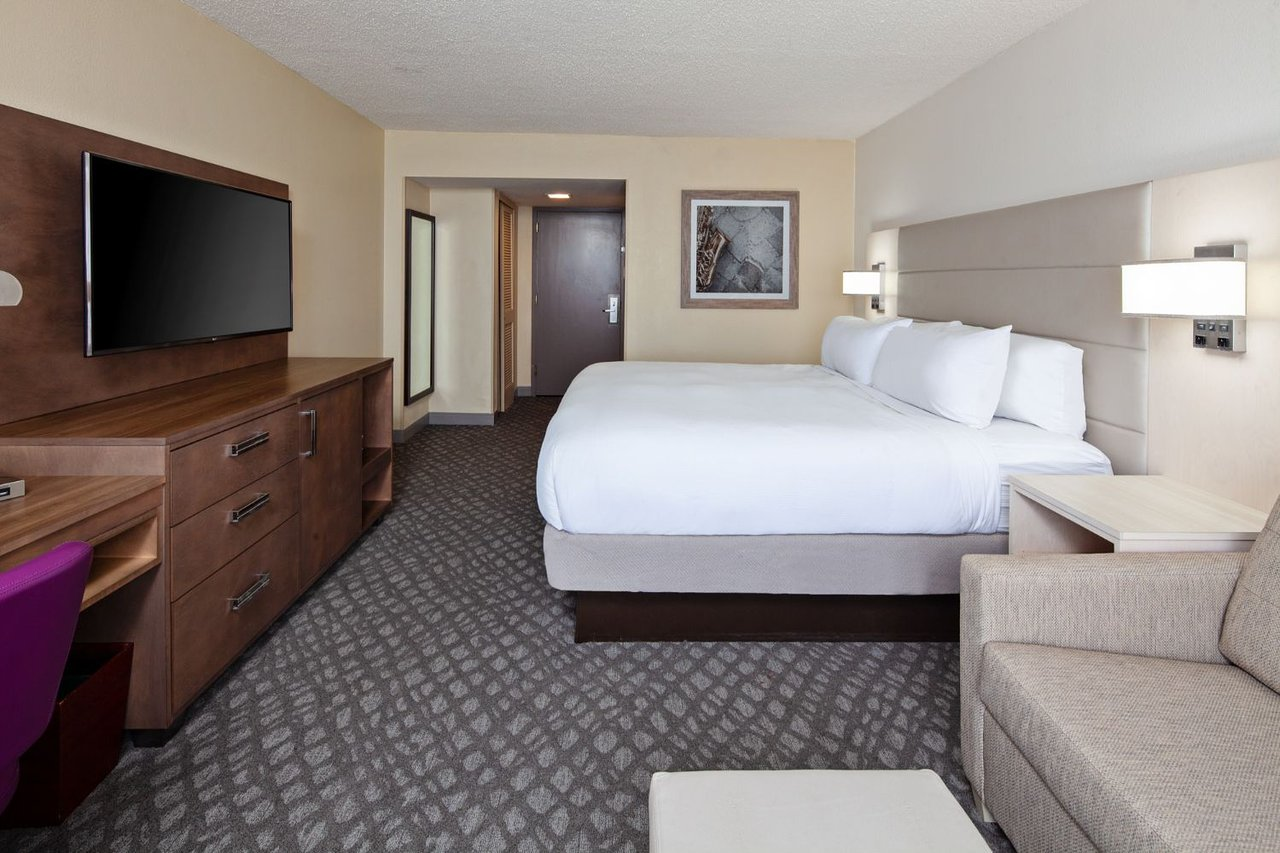 DoubleTree by Hilton Hotel New Orleans Airport 3